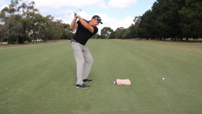 Pull the Head Back to Stop Hitting in the Heel